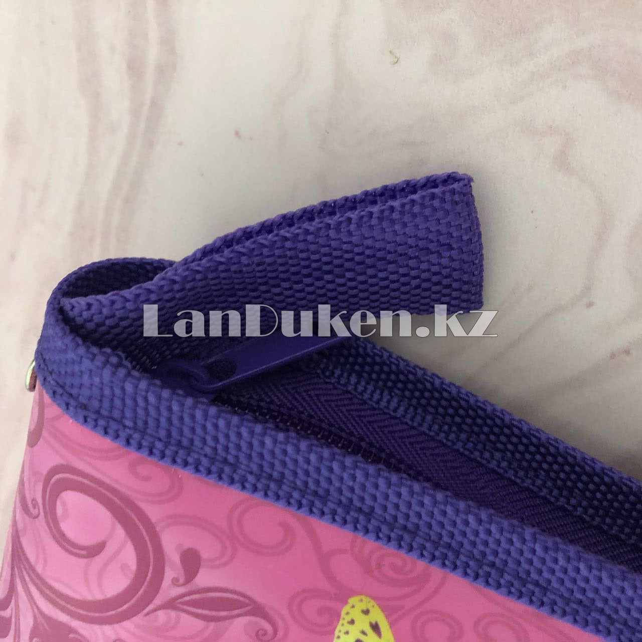 """Детская папка на молнии А4 пластиковая с тканевой окантовкой """"Принцесса на стуле"""" (фиолетовый) - фото 6"""