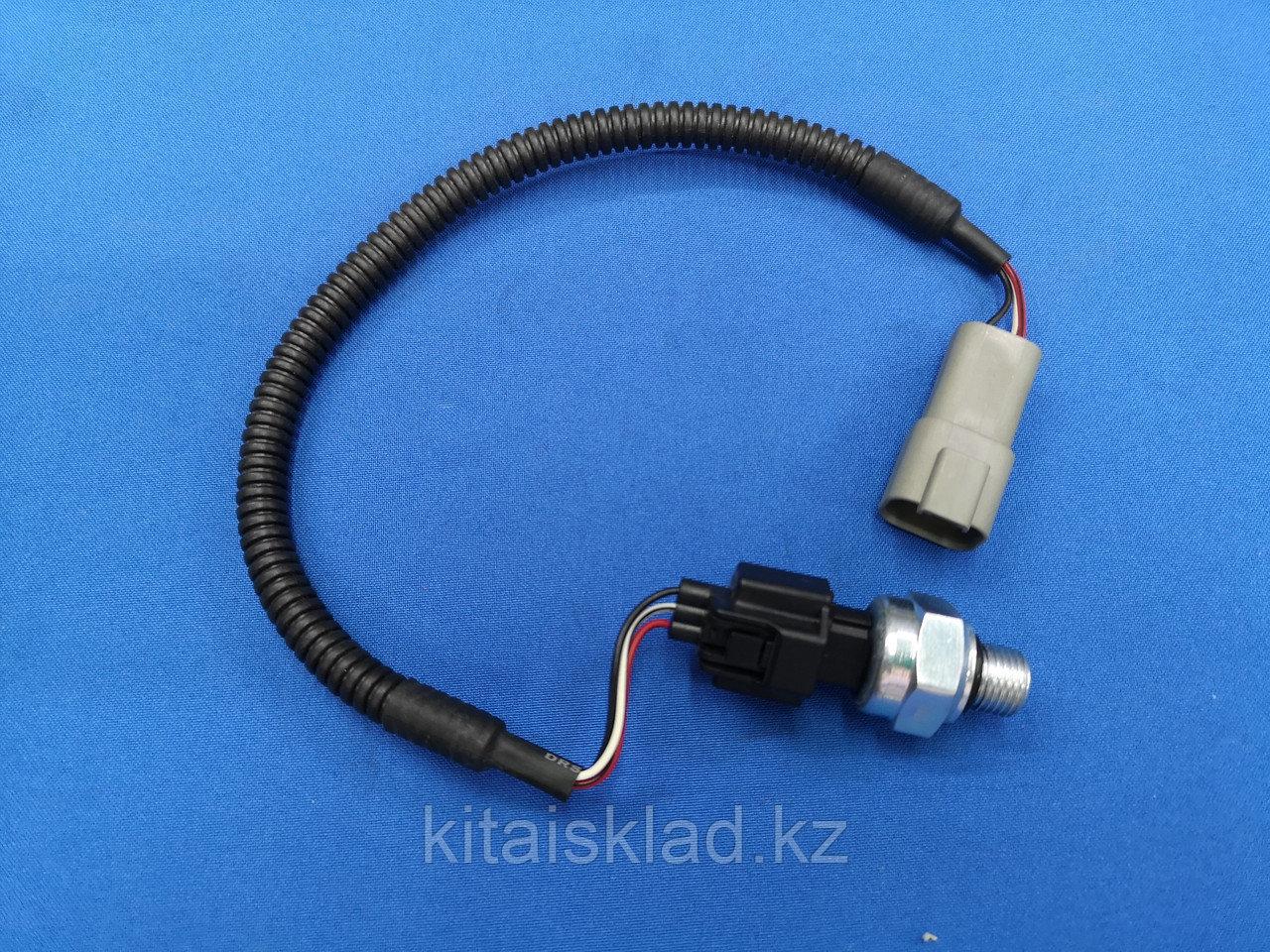 Датчик давления масла 208-06-71140 KOMATSU PC400, PC450
