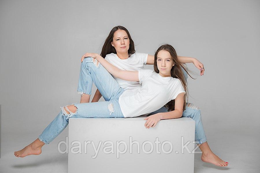 Семейная фотосессия Алматы. Семейный фотограф