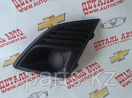 Решетка бампера - заглушка Chevrolet Cruze/ Шевроле Круз