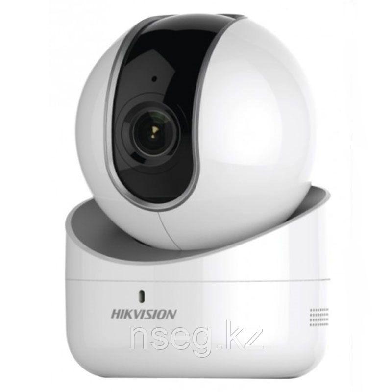 1Мп поворотная IP камера Hikvision DS-2CV2Q01FD-IW/64GB-T