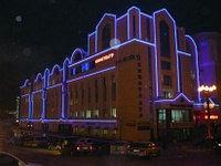 Освещение зданий, фасадов зданий светодиодной лентой, фото 3
