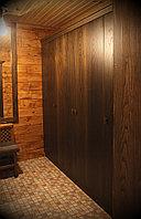 Шкаф-купе из темного дерева