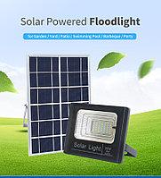 Прожектор (10 Вт) с солнечной батареей датчиком света и пультом управления, фото 2