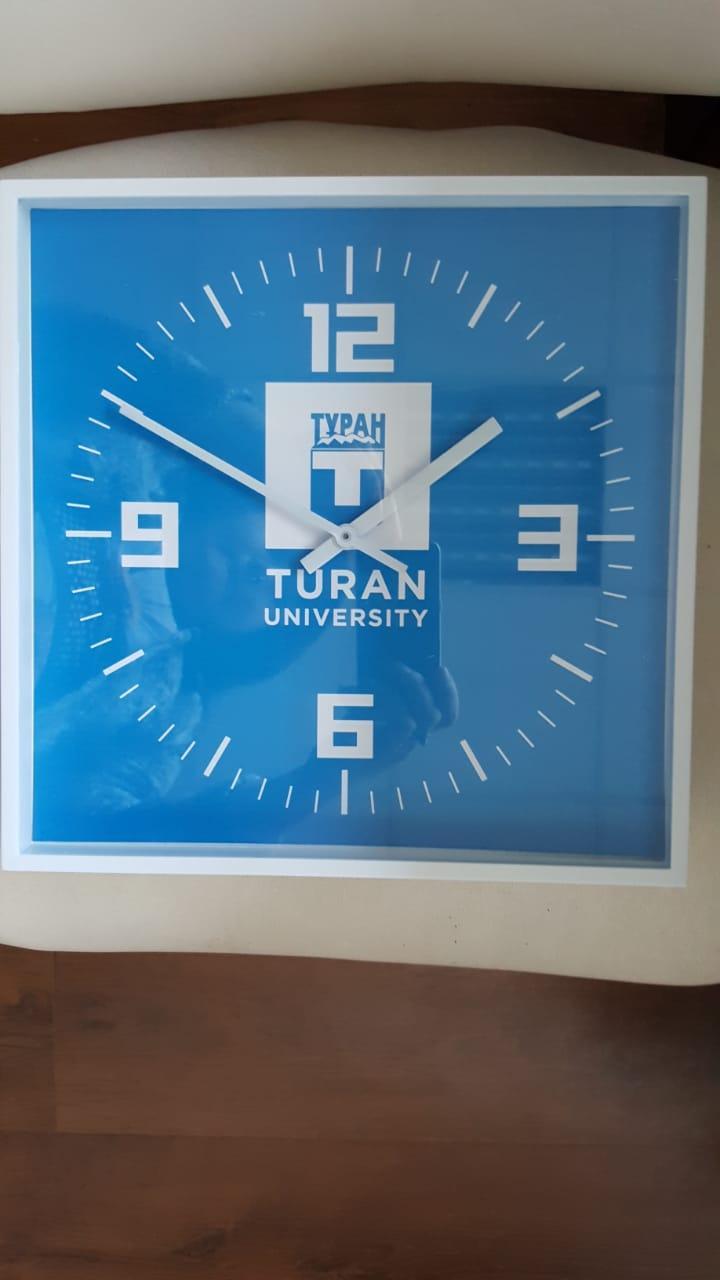 Брендированние часов сувенирных по индивидуальному заказу