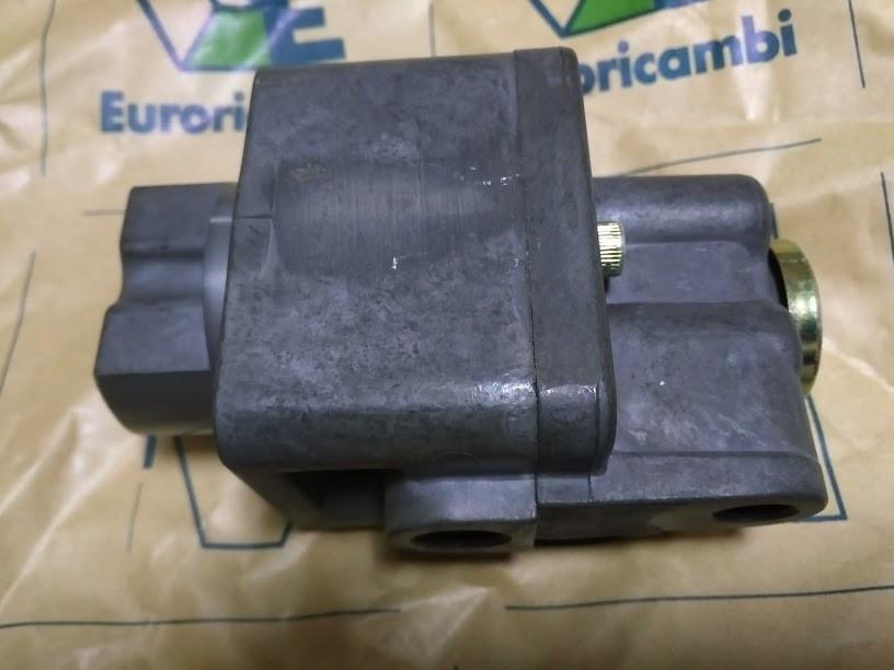 Клапан переключения половинок ZF 3238205 6038202043 Euroricambi 95534355
