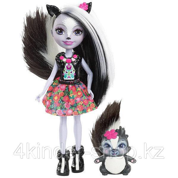 Mattel Enchantimals DYC75 Кукла Седж Скунси, 15 см - фото 1