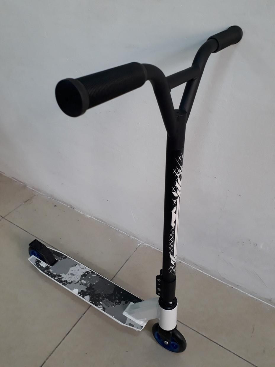 Трюковый самокат Evo Stunt
