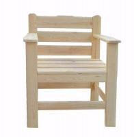 Кресло из массива дерева
