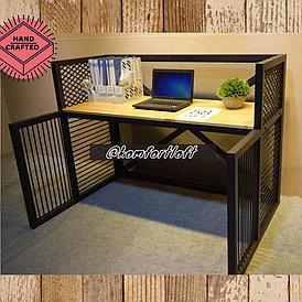 Стол с металлическим каркасом в стиле Loft