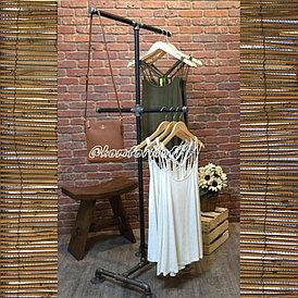 Вешалка для одежды на металлическом каркасе (Лофт)