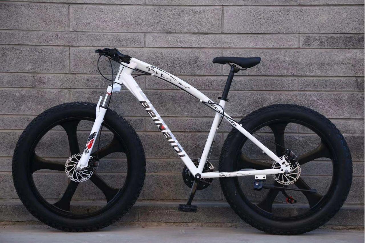 Красивый велосипед Фэтбайк Beinaiqi на литых дисках