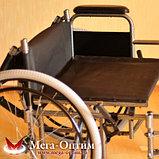 Надежная инвалидная коляска с сиденьем 61 см и удобной единой ручкой Мега Оптим FS 874 B-51, фото 9