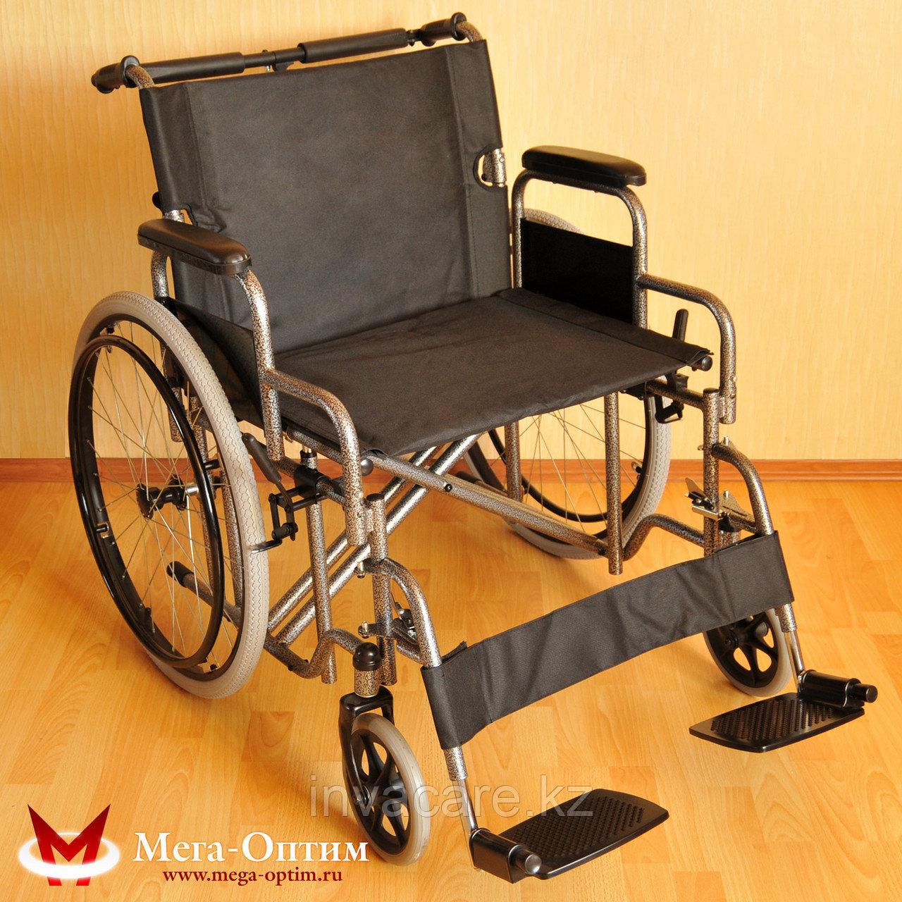 Надежная инвалидная коляска с сиденьем 61 см и удобной единой ручкой Мега Оптим FS 874 B-51