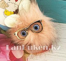 """Помпон меховой """"Пушистик"""" с ушками глазами и очками светло-розовый"""