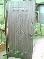 Дверь стальная снаружи МДФ внутри зеркало 400х1500