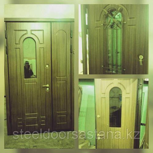 Дверь стальная двухстворчатая с мдф стеклопакетом и ковкой