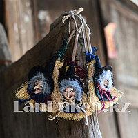 Баба яга (ведьма) на метле для Хэллоуина (декор) в ассортименте (12*7 см) по 1 шт