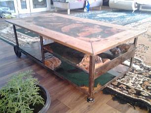 Мебель/Мебель для гостиных комнат/Журнальные и кофейные столики