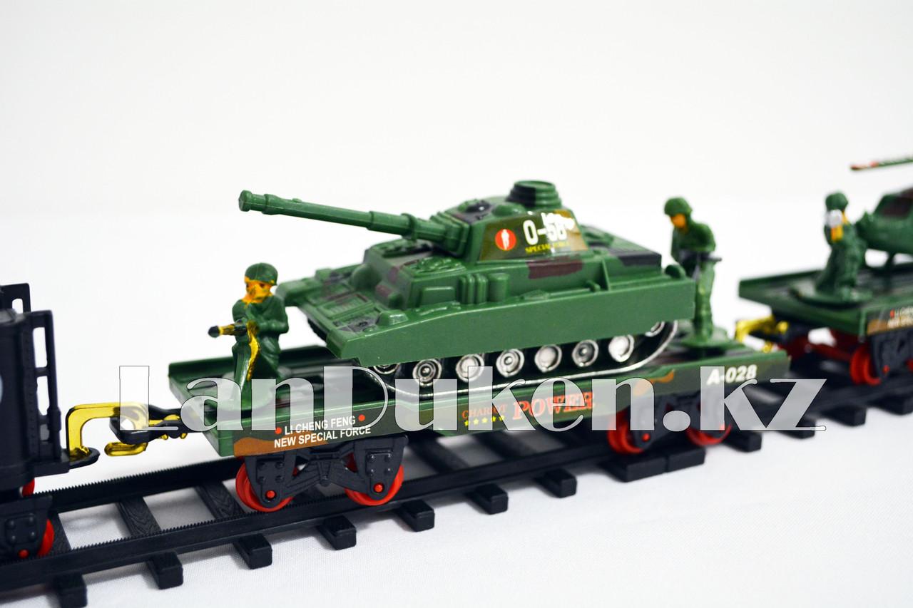 Детская железная дорога с военной техникой на батарейках с дымом из трубы, светом из фары и озвучкой 2872 (3+) - фото 6