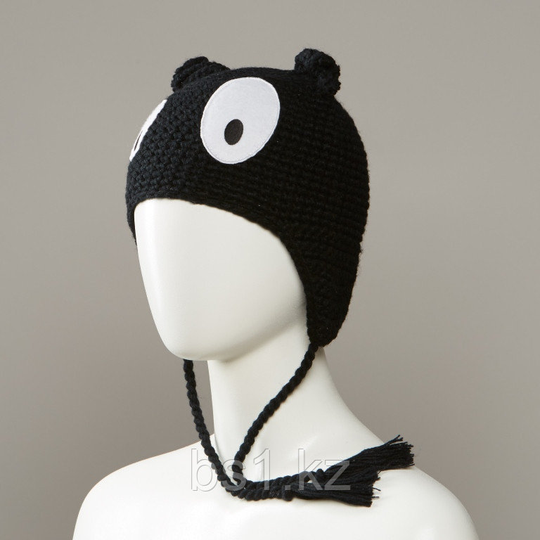 Maniacs Knit Monster Hat With Full Fleece Lining And Tassles