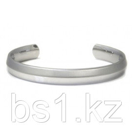 Titanium 10MM Knife Edge Finish Cuff Bangle