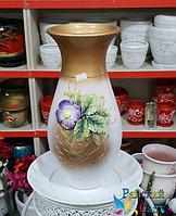 """Керамическая ваза 30см. """"Фиолетовый цветок на золотисто-белом""""."""