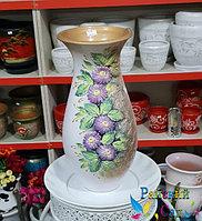 """Керамическая ваза 30см. """"Сиреневые цветы на золотисто-белом""""."""