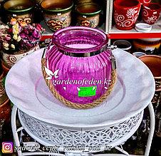 Стеклянная, декоративная ваза с ремешком. Цвет: Розовый.  Высота 15см.