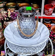 Стеклянная, декоративная ваза с ремешком. Цвет: Серый. Высота 20см.