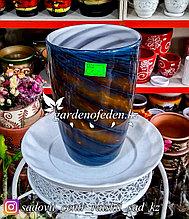 Стеклянная, декоративная ваза. Высота 30см. Цвет: Коричнево-синий узор в полоску.