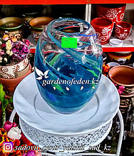 Стеклянная, декоративная ваза. Высота 30см. Цвет: Синий. Абстрактный узор в полоску.