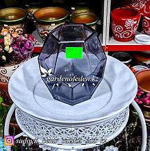 Стеклянная, декоративная ваза в форме ромба. Высота 15см. Цвет: Темно-синий.