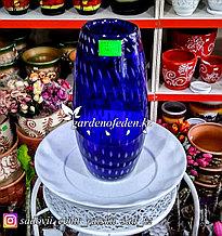 Стеклянная, декоративная ваза. Высота 30см. Цвет: Синий. Узор пятнышки и полоски.