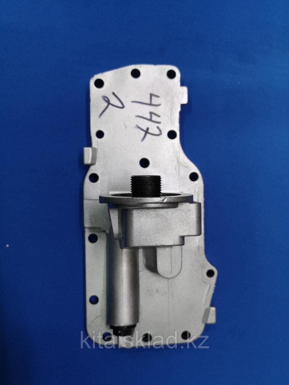 Головка маслоохладителя (кронштейн масляного фильтра) 4931572, 4931567, 4931570, 4929530 6ISBe