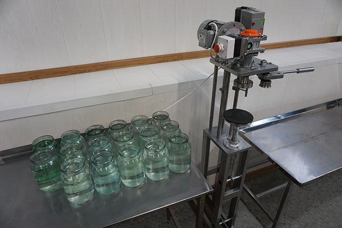 Машина укупорочная (закаточная машина для стеклянных банок)