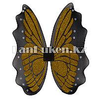 Крылья бабочки желтые