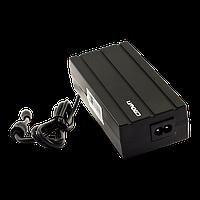 Универсальный блок питания CROWN MICRO 100 W для ноутбука с набором штекеров.