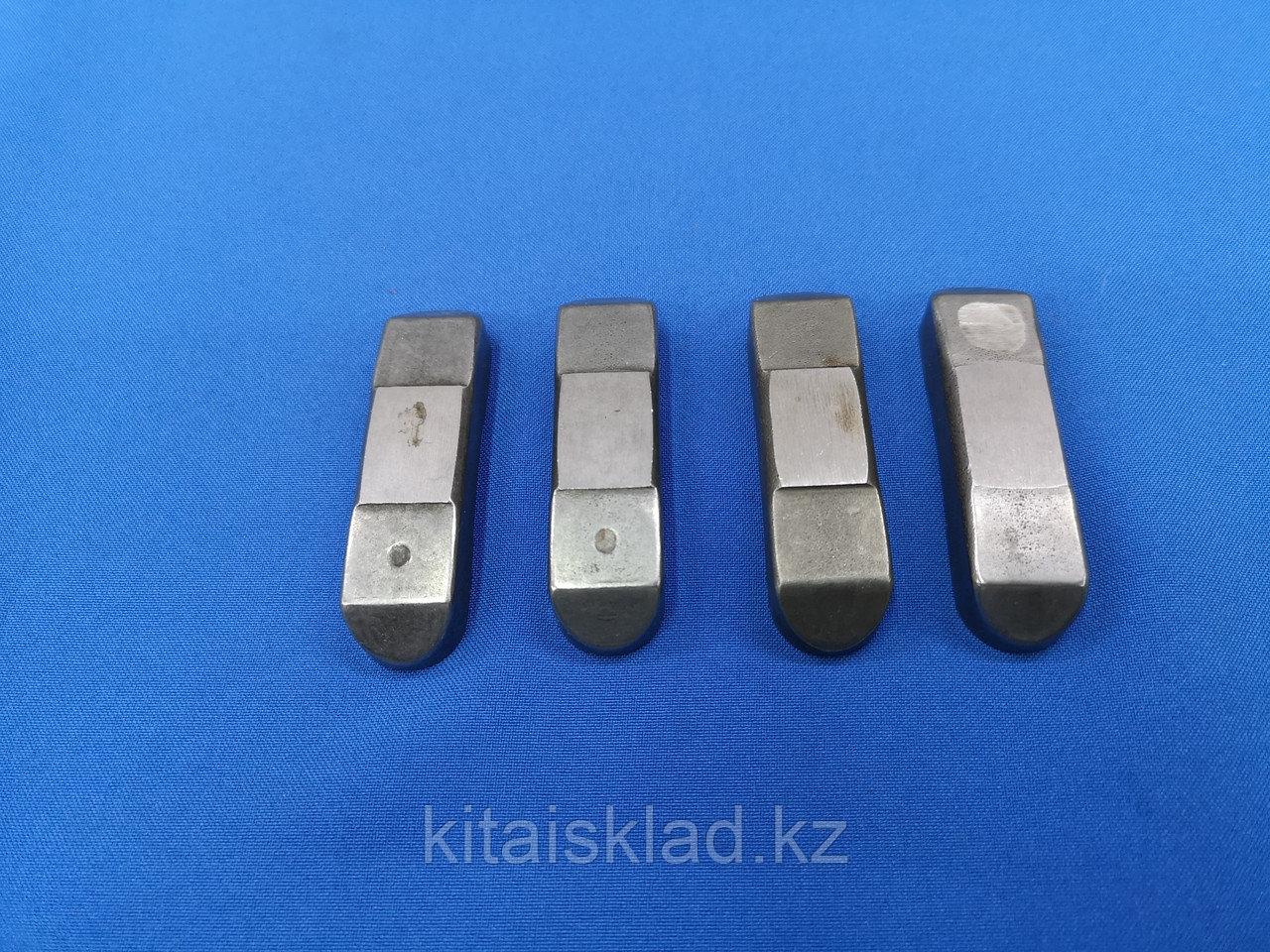 Перемычка клапана (крейцкопф) NT855 4061141 Shantui SD32