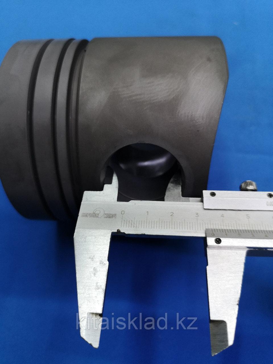Поршень двигателя D226B-3D Deutz