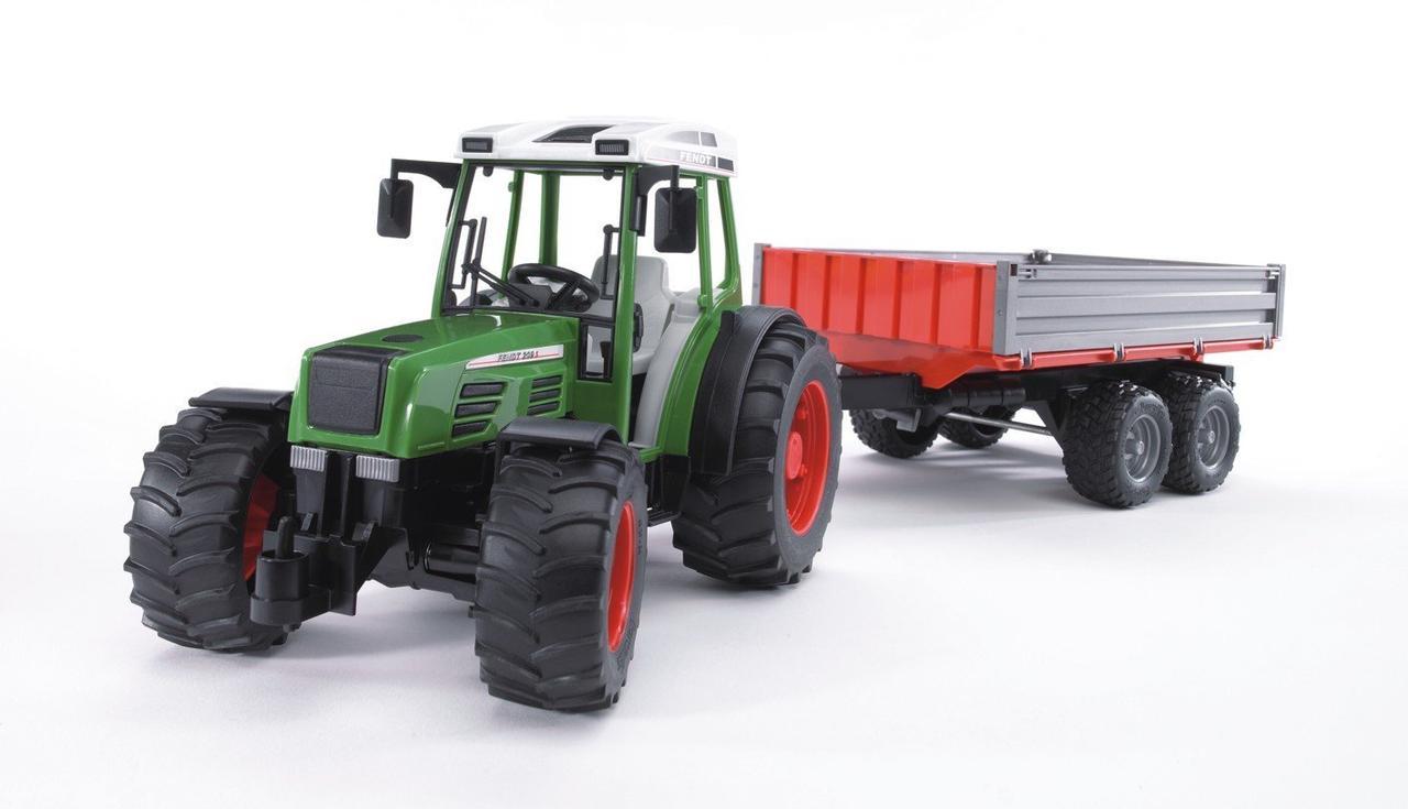Трактор с прицепом 02-104