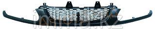 Решетка радиатора Митсубиси DELICA/SPACE GEAR 94-98