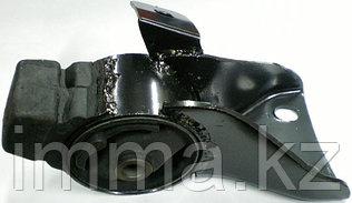 Подушка двигателя RR Мазда FAMILIA/323/ASTINA 1.5L 98-