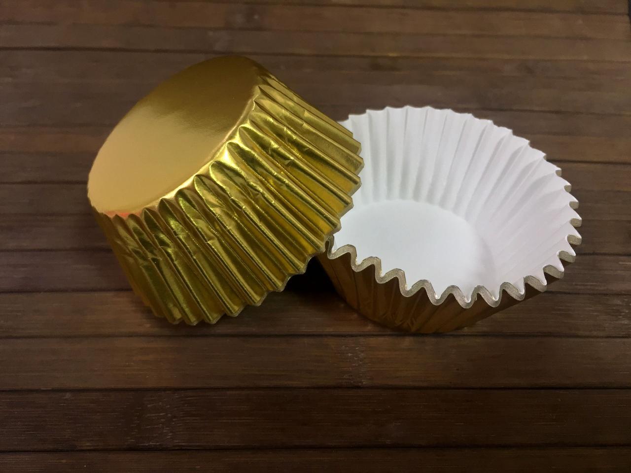 Формы бумажные фольгированные золотые