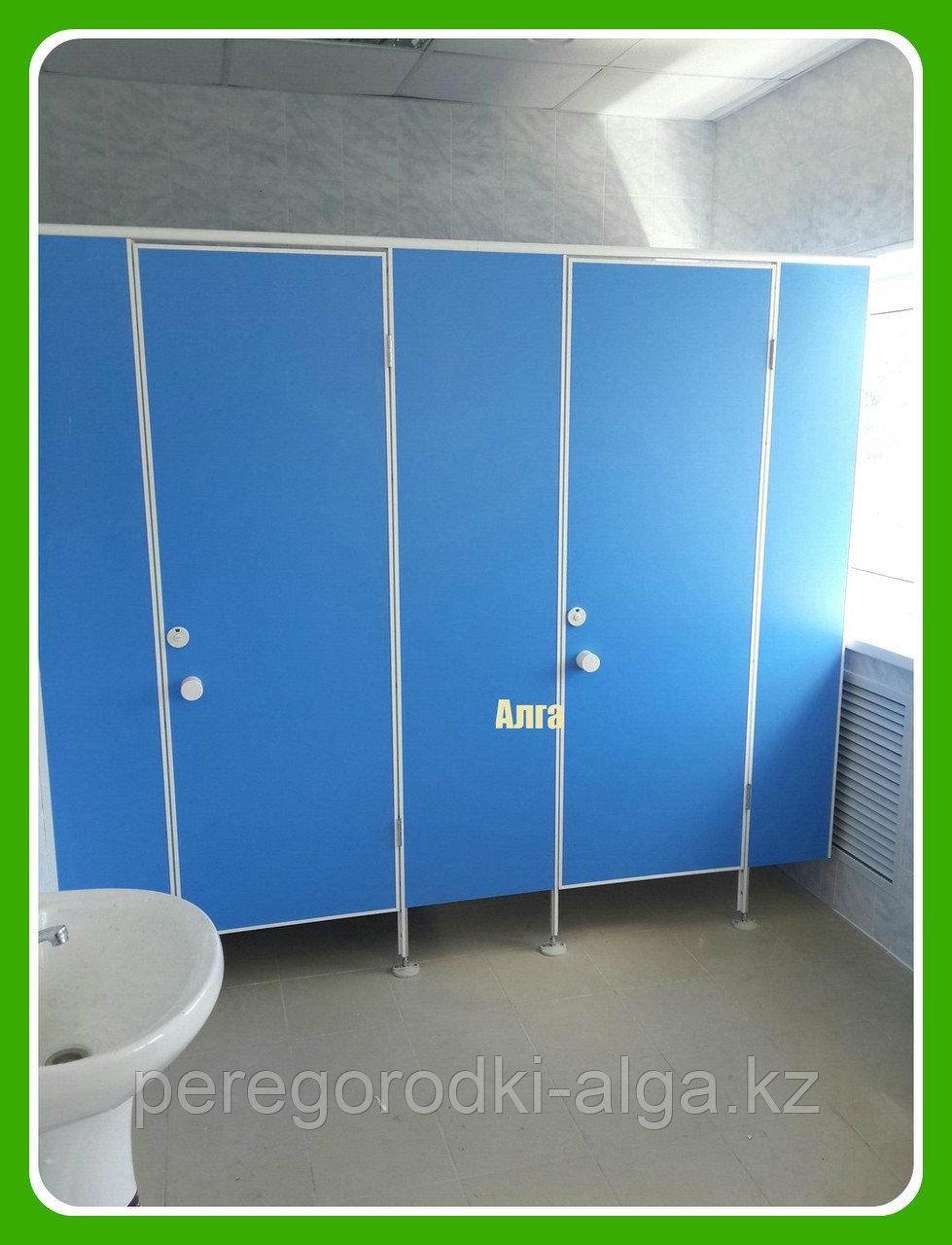 Туалетная кабина для школ и учебных заведений из ЛДСП 16 мм