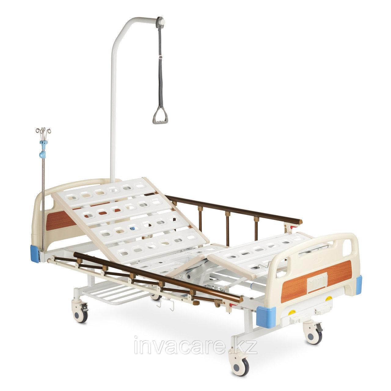 Кровать 4-секционная механическая со специальным санитарным приспособлением  Armed RS104-E