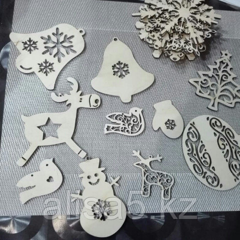 Новогодние игрушки наборами по 6 шт на выбор, дерево