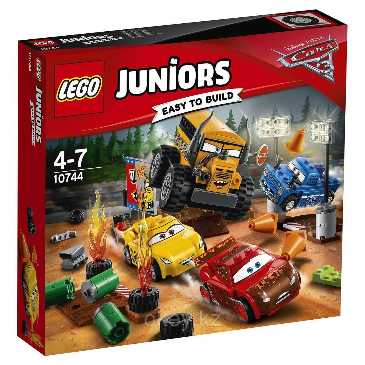 LEGO Juniors: Гонка Сумасшедшая восьмёрка 10744