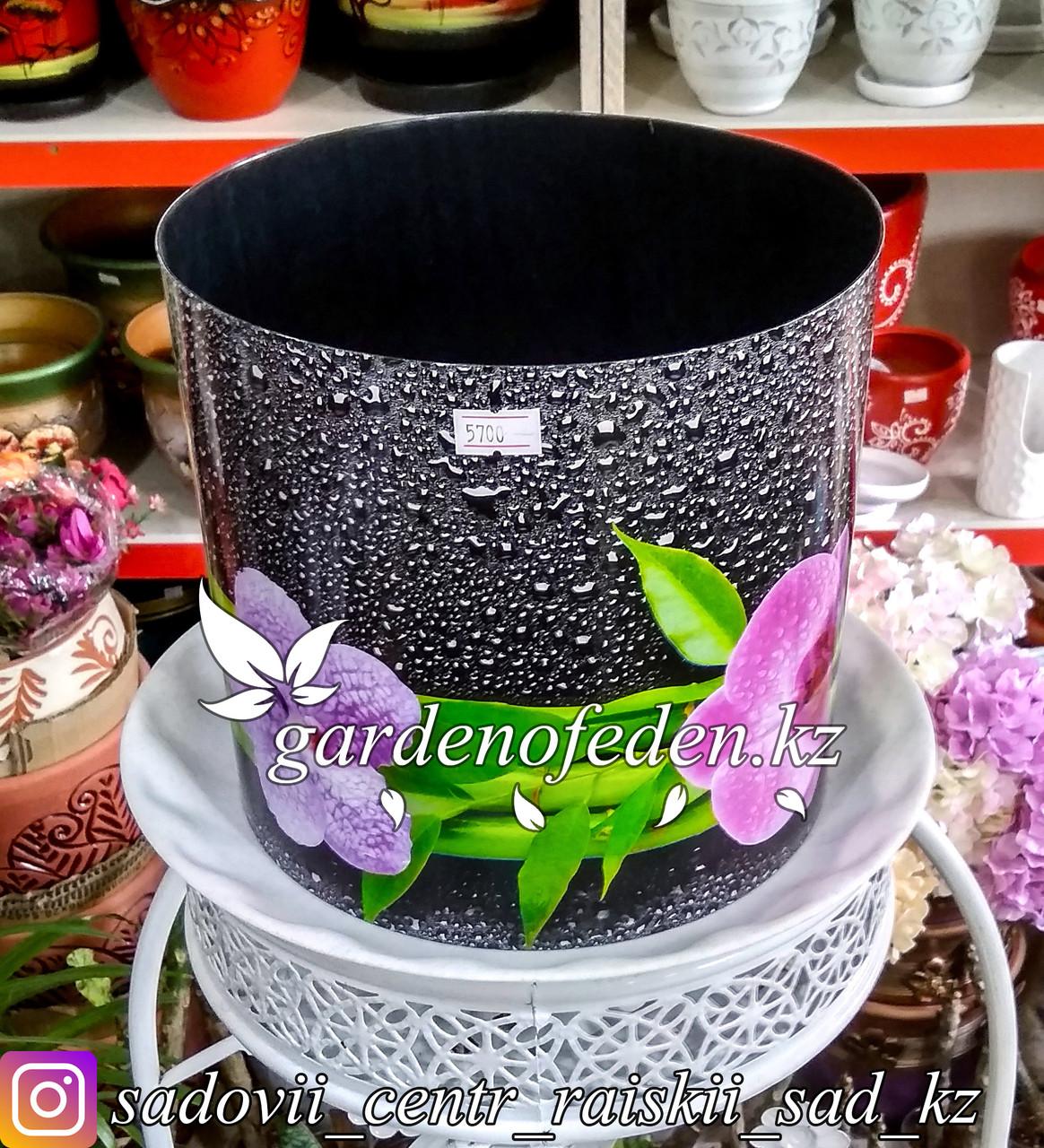 """Пластиковый горшок со скрытым поддоном """"Орхидеи"""". Цвет: Черный. Объем: 5.1л"""