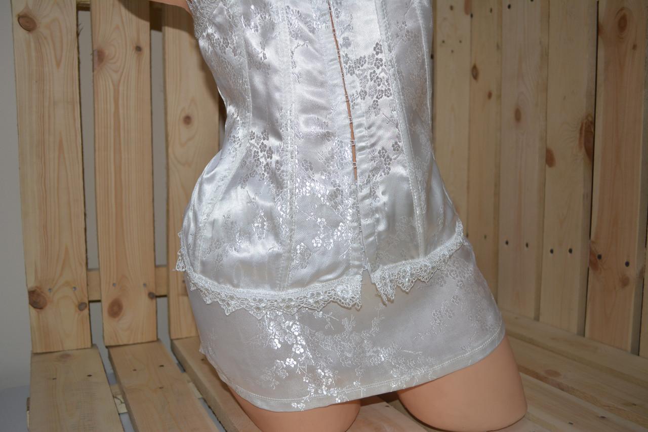 Корсет белый с юбкой (M) причина уценки - неяркий цвет.